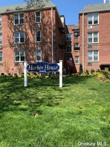 16 Main Street 3V, E. Rockaway, NY 11518 (MLS #3343673) :: Laurie Savino Realtor
