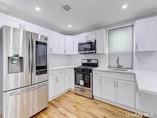 1338 E 92nd Street, Canarsie, NY 11236 (MLS #3343949) :: Laurie Savino Realtor