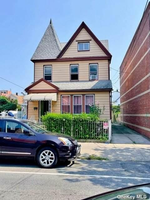 35-21 105 Street - Photo 1
