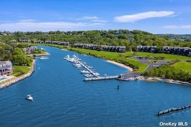 4 Harbour Point Drive 4 HP, Northport, NY 11768 (MLS #3347554) :: Goldstar Premier Properties