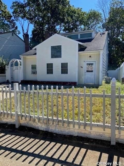 18 Brennan Street, Huntington, NY 11743 (MLS #3347889) :: Signature Premier Properties