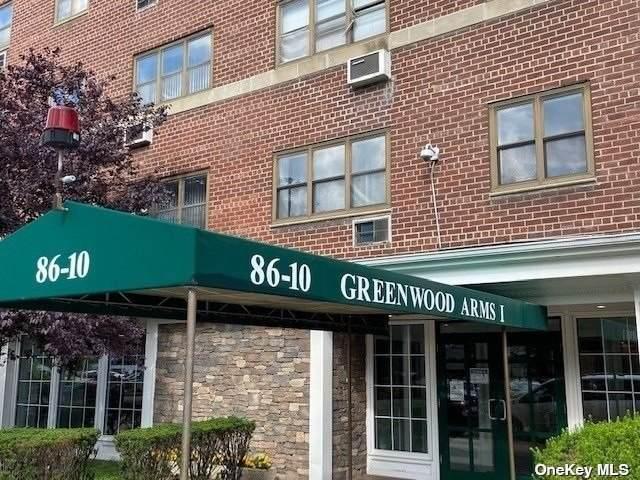 86-10 151 Avenue 5N, Howard Beach, NY 11414 (MLS #3347926) :: Signature Premier Properties