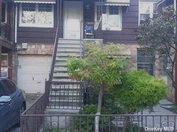 1332 E 85th Street, Canarsie, NY 11236 (MLS #3348430) :: Mark Boyland Real Estate Team