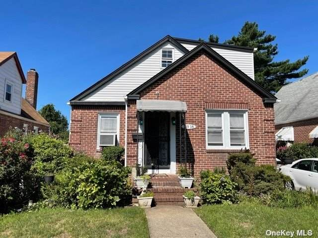 119-18 233rd Street, Jamaica, NY 11411 (MLS #3348445) :: Mark Boyland Real Estate Team
