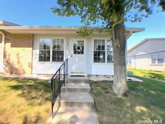 268 Berwick Court D, Ridge, NY 11961 (MLS #3348471) :: Goldstar Premier Properties