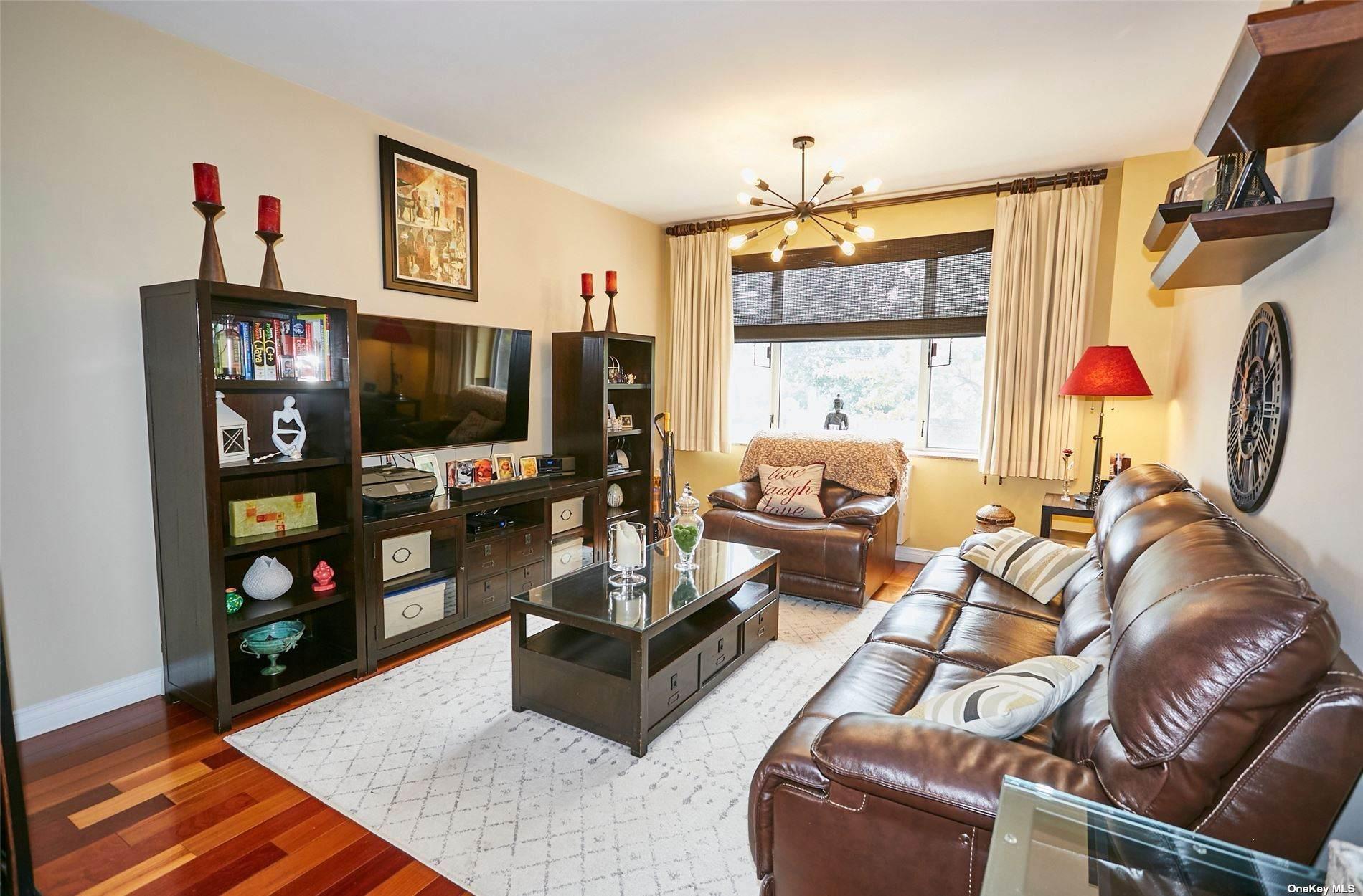 30-85 Vernon Boulevard 2F, Long Island City, NY 11102 (MLS #3348730) :: Kendall Group Real Estate   Keller Williams