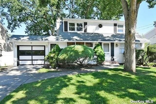 121 Maple Street, Massapequa Park, NY 11762 (MLS #3348865) :: Signature Premier Properties