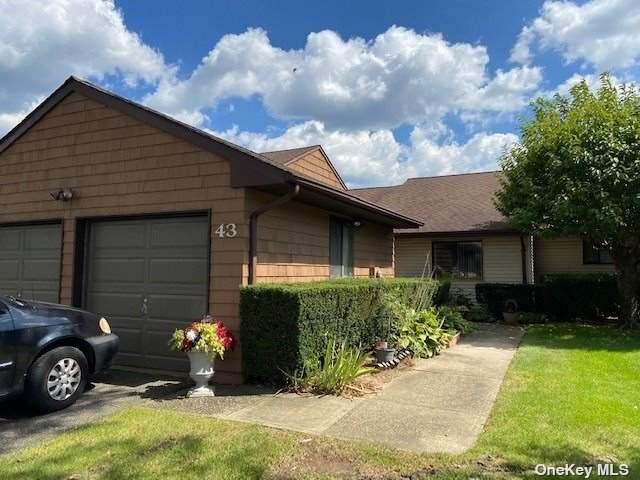 43 Ashley Circle #1, Commack, NY 11725 (MLS #3349400) :: Signature Premier Properties