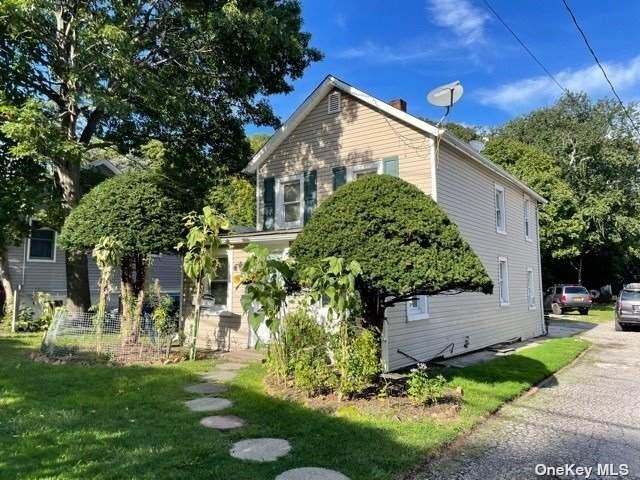 14 Kelsey Avenue, Huntington Sta, NY 11746 (MLS #3350496) :: Signature Premier Properties