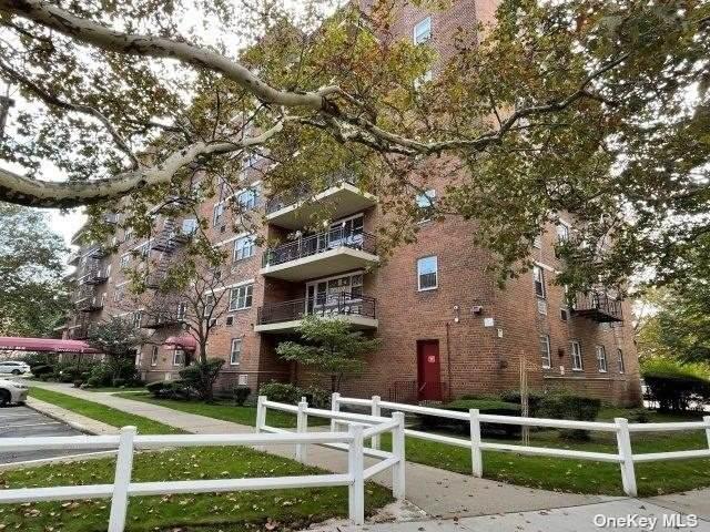 151-31 88th Street 6H, Howard Beach, NY 11414 (MLS #3351395) :: Cronin & Company Real Estate