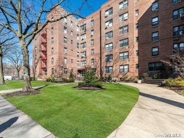 142-15 26th Avenue 6G, Flushing, NY 11354 (MLS #3352116) :: Goldstar Premier Properties