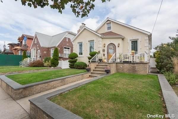 28-21 202nd Street, Bayside, NY 11360 (MLS #3353379) :: Signature Premier Properties