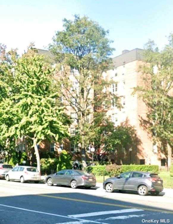 65-35 Yellowstone Boulevard 4G, Forest Hills, NY 11375 (MLS #3353533) :: RE/MAX RoNIN