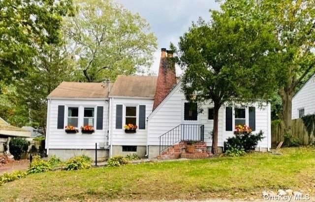 9 Birch Drive, Huntington Sta, NY 11746 (MLS #3353538) :: Signature Premier Properties