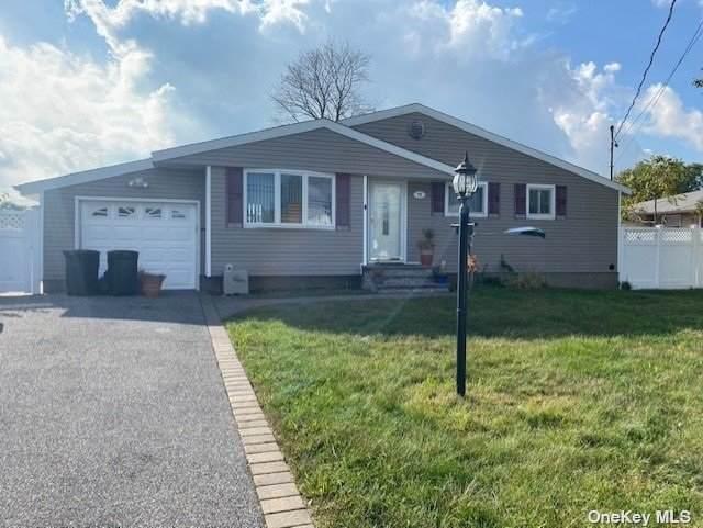 72 W 13th Street, Deer Park, NY 11729 (MLS #3353623) :: Mark Boyland Real Estate Team