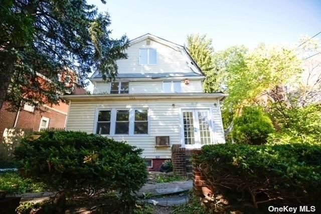 84-38 Charlecote Ridge, Jamaica Estates, NY 11432 (MLS #3353721) :: Signature Premier Properties