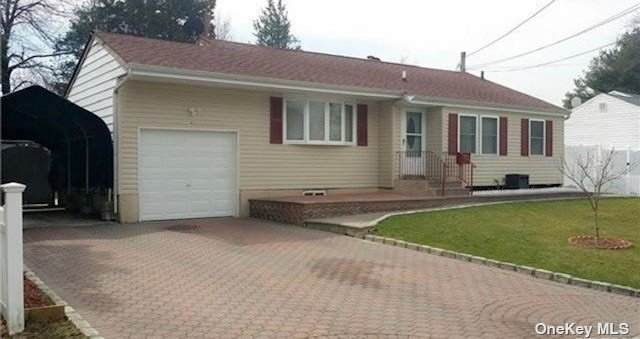 16 Stockton Street, Brentwood, NY 11717 (MLS #3354452) :: Mark Boyland Real Estate Team