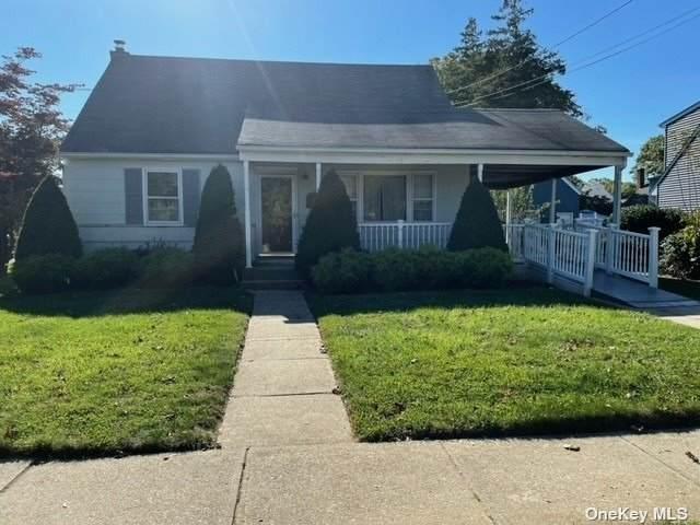 24 Juniper Street, Farmingdale, NY 11735 (MLS #3354462) :: Mark Boyland Real Estate Team