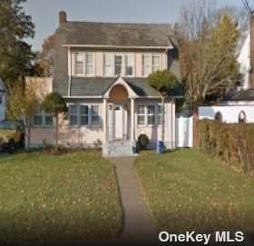 240 Locust Avenue, Freeport, NY 11520 (MLS #3354686) :: Mark Boyland Real Estate Team
