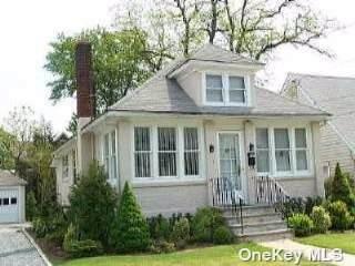 134 Broadway, Bethpage, NY 11714 (MLS #3354919) :: Cronin & Company Real Estate