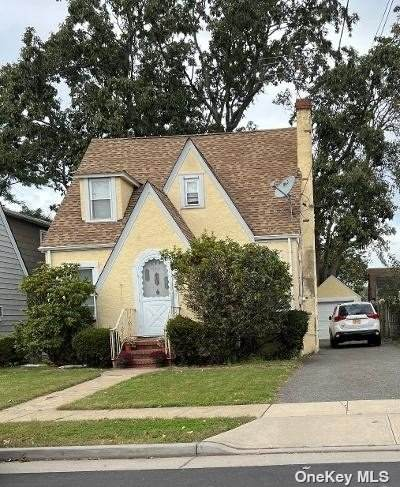 179 Crowell Street, Hempstead, NY 11550 (MLS #3354996) :: Cronin & Company Real Estate