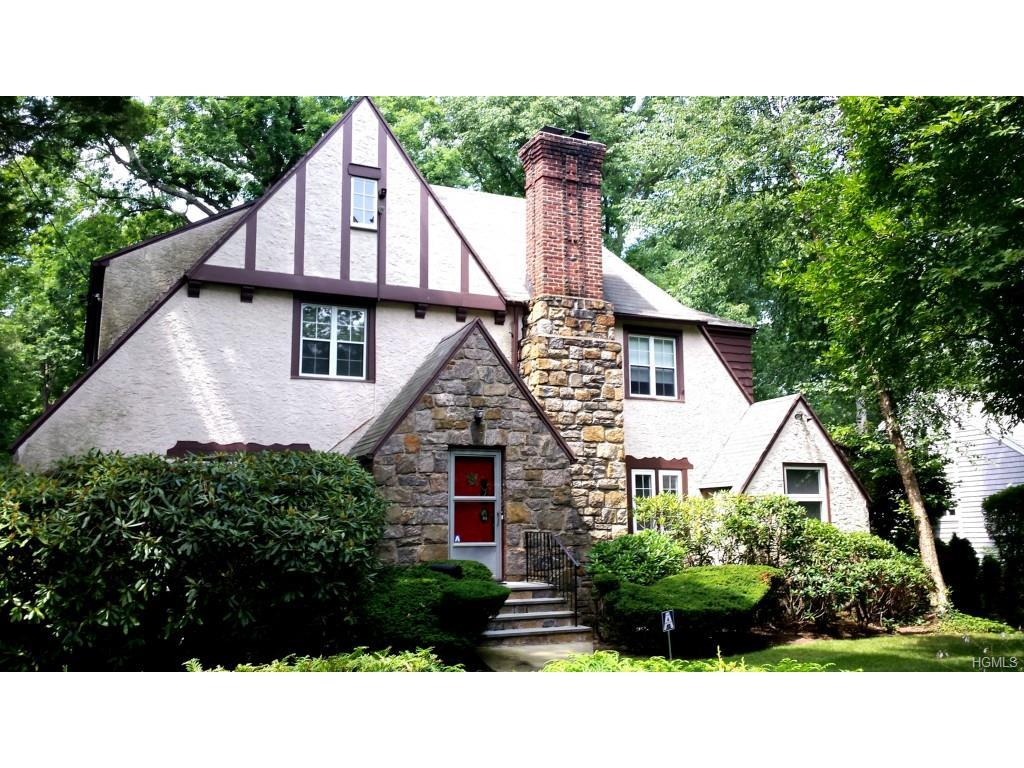 33 Blackthorn, White Plains, NY 10606 (MLS #4634409) :: William Raveis Legends Realty Group