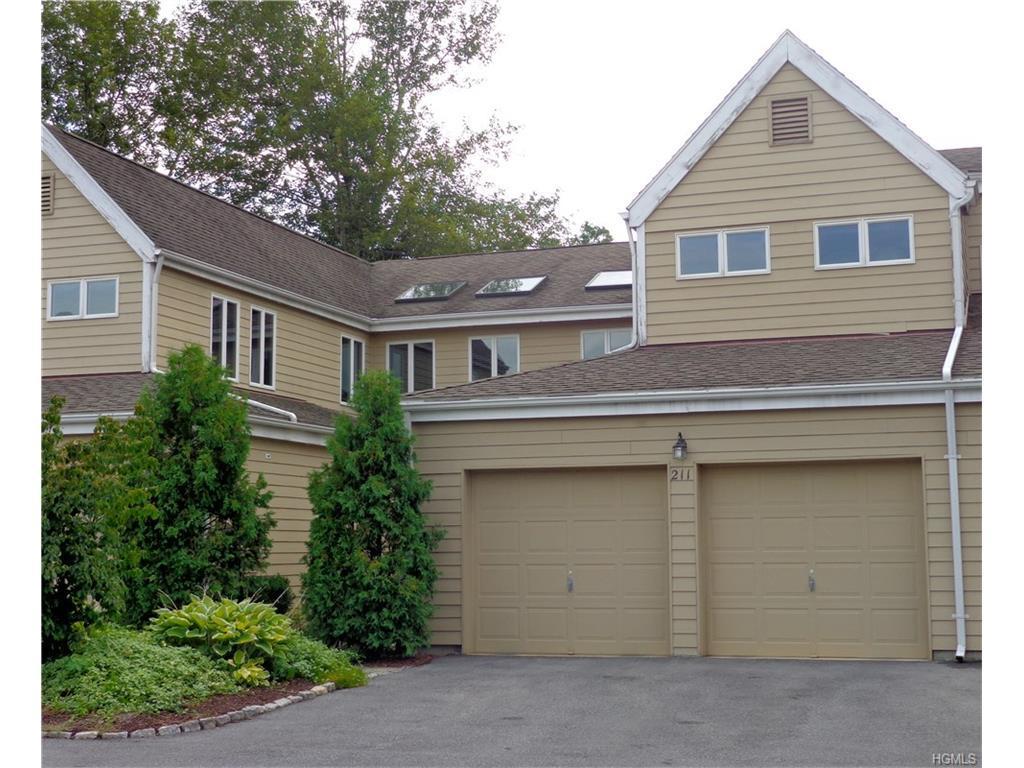 211 Aspen Terrace, Poughkeepsie, NY 12601 (MLS #4634759) :: William Raveis Legends Realty Group