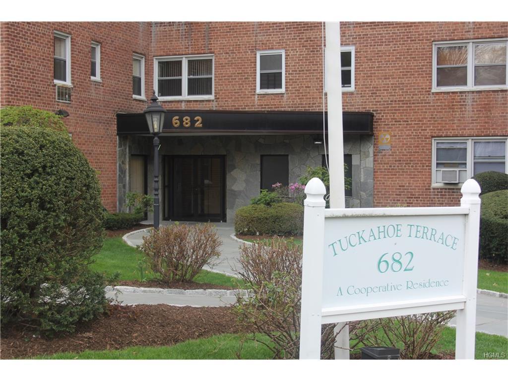 682 Tuckahoe Road 4J, Yonkers, NY 10710 (MLS #4716269) :: William Raveis Legends Realty Group