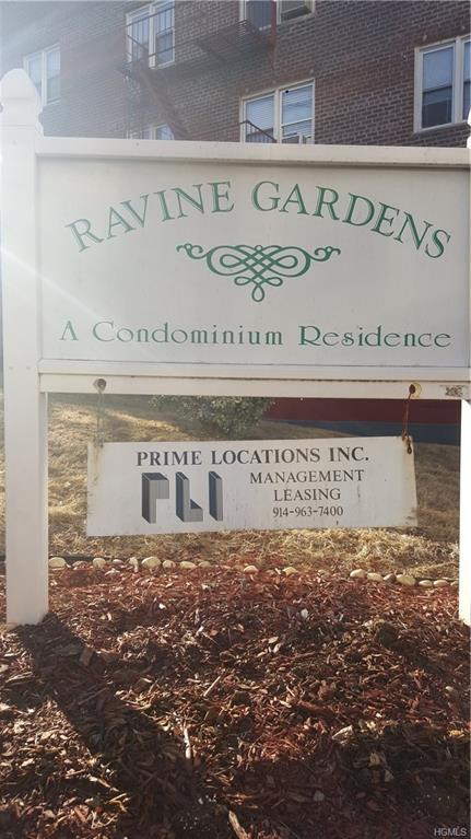 164 Ravine Avenue 1B, Yonkers, NY 10701 (MLS #4805658) :: Mark Boyland Real Estate Team