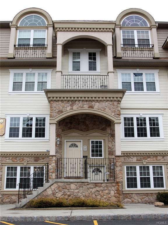 9 Elm Street #201, Spring Valley, NY 10977 (MLS #4806295) :: Mark Boyland Real Estate Team