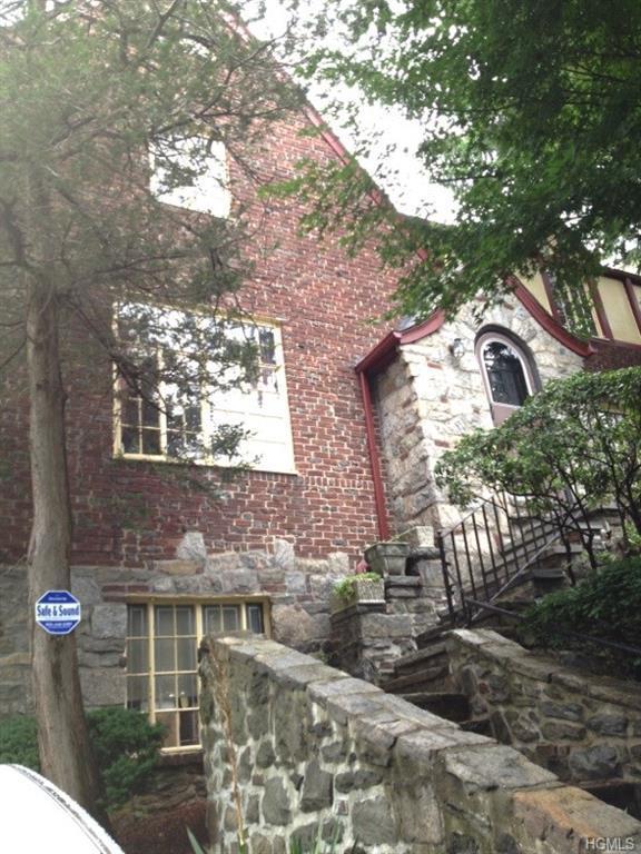 2715 Netherland Avenue, Bronx, NY 10463 (MLS #4806787) :: Mark Boyland Real Estate Team