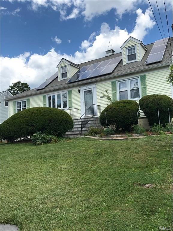 240 Round Hill Drive, Yonkers, NY 10710 (MLS #4807296) :: Mark Boyland Real Estate Team