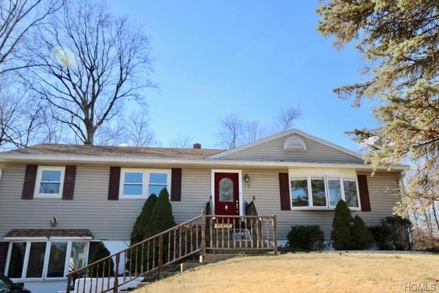 35 Guterl Terrace, Pearl River, NY 10965 (MLS #4809628) :: William Raveis Baer & McIntosh