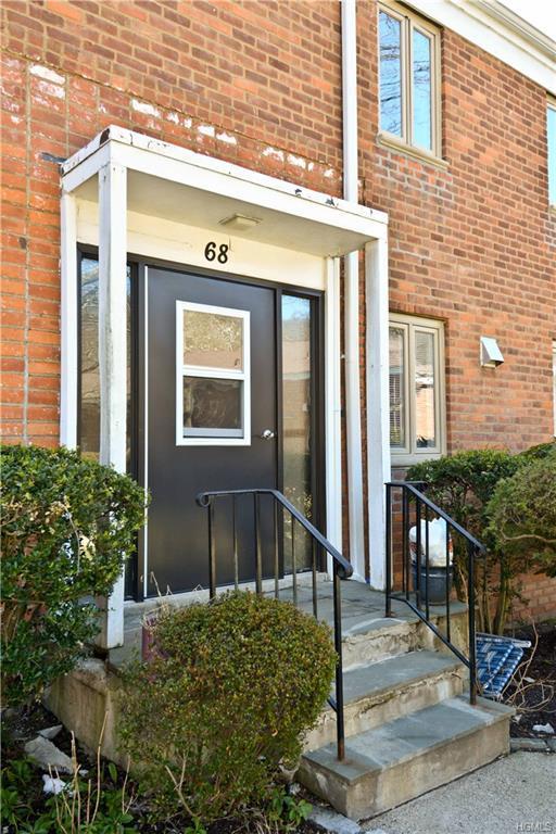 68 Lawrence Court C, White Plains, NY 10603 (MLS #4810989) :: Mark Boyland Real Estate Team