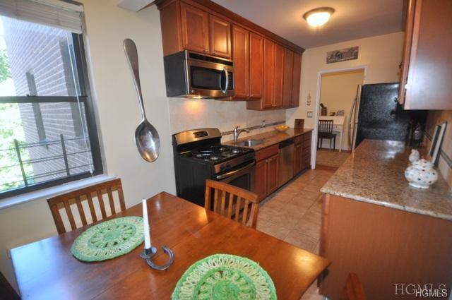 142 Garth Road 2M, Scarsdale, NY 10583 (MLS #4813648) :: Mark Boyland Real Estate Team