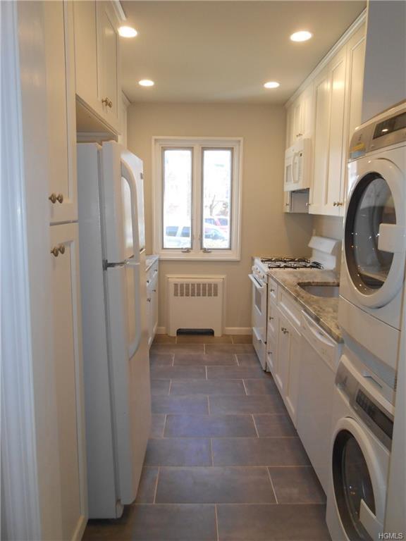 78 Lawrence B, White Plains, NY 10603 (MLS #4817096) :: Stevens Realty Group