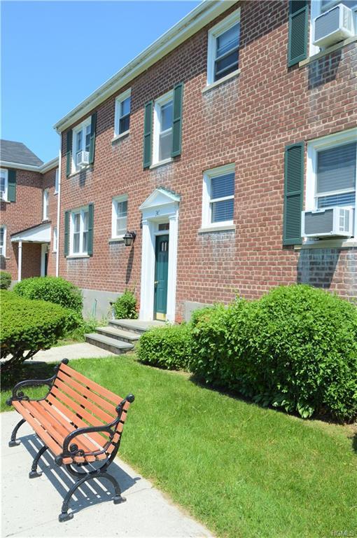 260 Church Street 3C4, White Plains, NY 10603 (MLS #4819913) :: William Raveis Baer & McIntosh