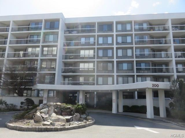 200 High Point Drive #414, Hartsdale, NY 10530 (MLS #4822068) :: William Raveis Legends Realty Group