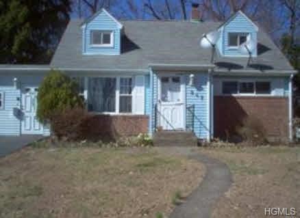 247 Holt Drive, Pearl River, NY 10965 (MLS #4823361) :: Mark Boyland Real Estate Team