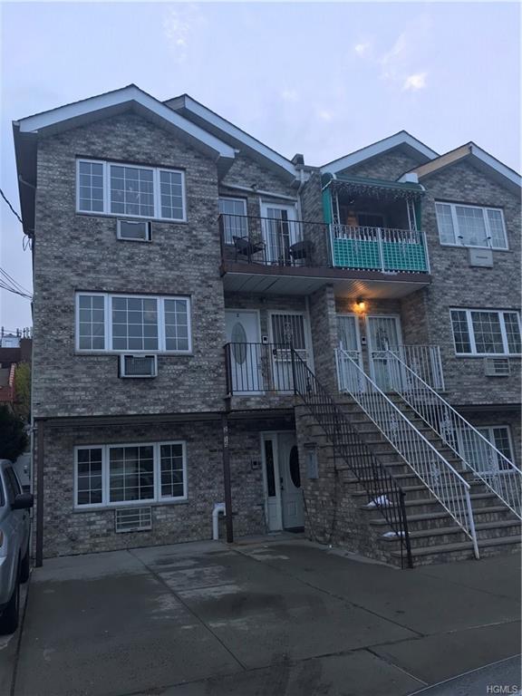2715 Paulding Avenue, Bronx, NY 10469 (MLS #4823415) :: Mark Boyland Real Estate Team
