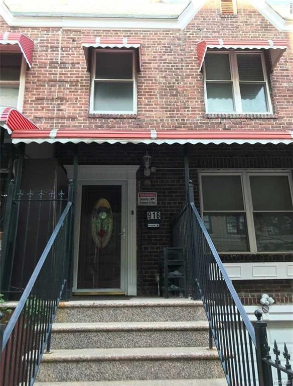 916 Boynton Avenue, Bronx, NY 10473 (MLS #4824001) :: Mark Boyland Real Estate Team