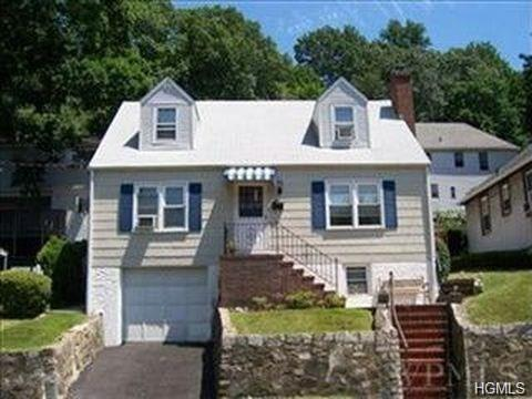 252 Sedgwick Avenue, Yonkers, NY 10705 (MLS #4827118) :: Mark Boyland Real Estate Team