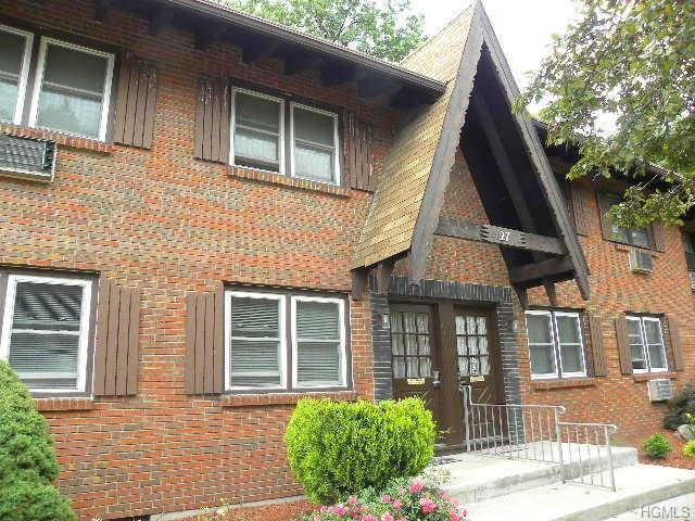 27 Normandy #1, Nanuet, NY 10954 (MLS #4827441) :: Mark Seiden Real Estate Team