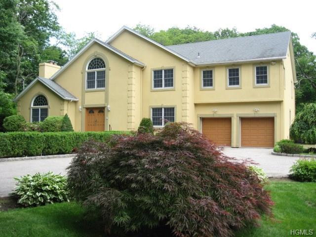 581 Pinebrook Boulevard, New Rochelle, NY 10804 (MLS #4827903) :: Mark Boyland Real Estate Team