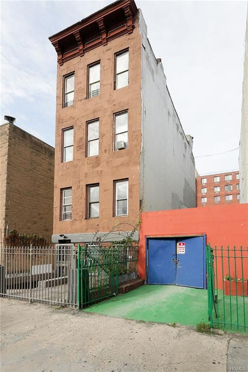 329 E 118th Street, New York, NY 10035 (MLS #4829589) :: Mark Boyland Real Estate Team