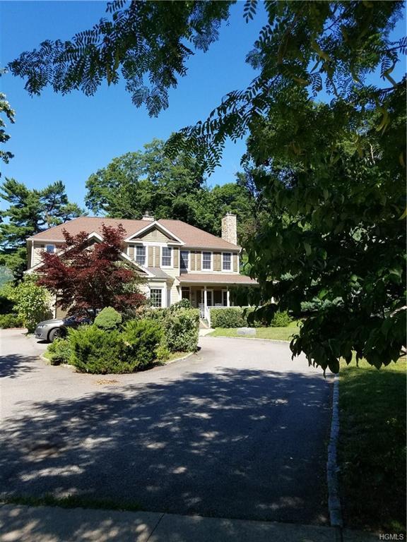 10 Grove Court, Cold Spring, NY 10516 (MLS #4833293) :: Mark Seiden Real Estate Team