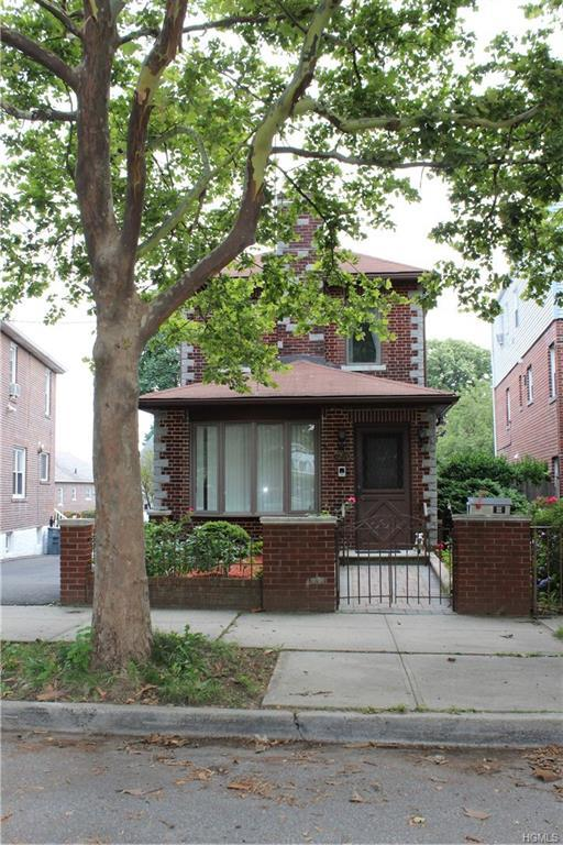 3230 Rawlins Avenue, Bronx, NY 10465 (MLS #4833813) :: Michael Edmond Team at Keller Williams NY Realty