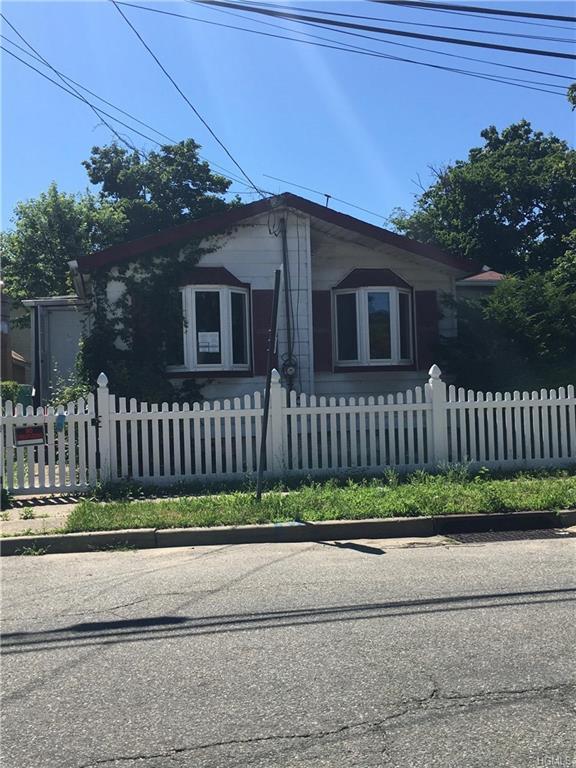 86 Oak Street, Call Listing Agent, NY 11520 (MLS #4834730) :: Stevens Realty Group