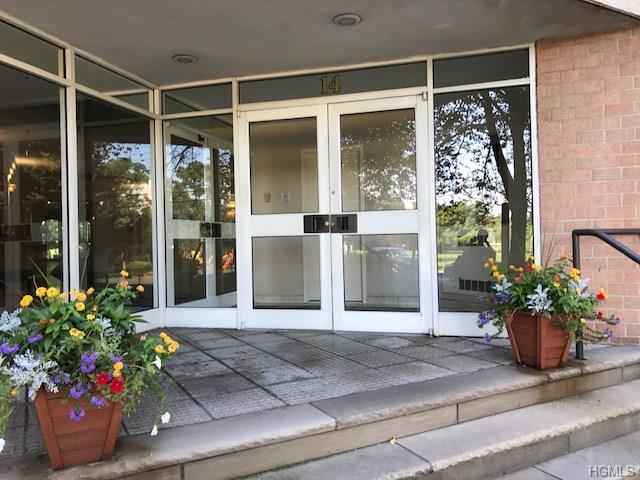 14 Nosband Avenue 6B, White Plains, NY 10605 (MLS #4837954) :: Mark Seiden Real Estate Team