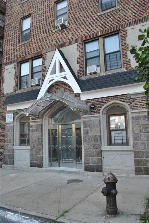 2925 Matthews Avenue 3K, Bronx, NY 10467 (MLS #4839041) :: Mark Boyland Real Estate Team